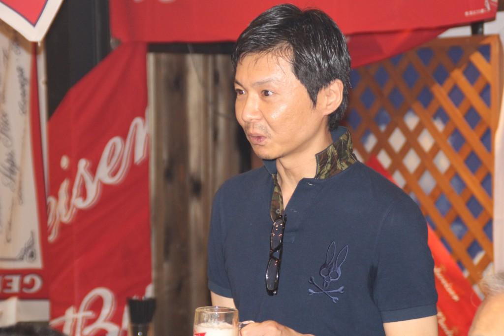 あいさつする中川副会長