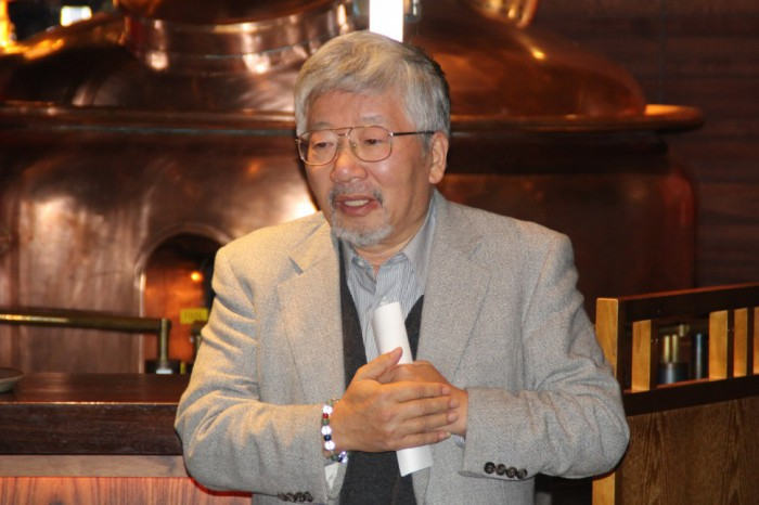 葛飾区産業フェアについて述べる藤井会長