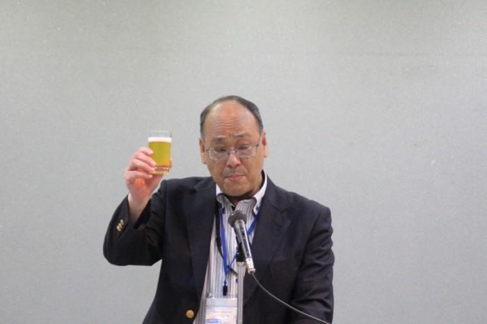 乾杯の音頭をとった酒井葛飾区産業観光部部長