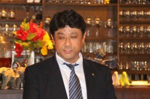 乾杯の音頭をとった菅谷副会長