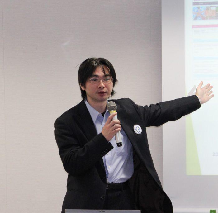 講師の小田朋和氏